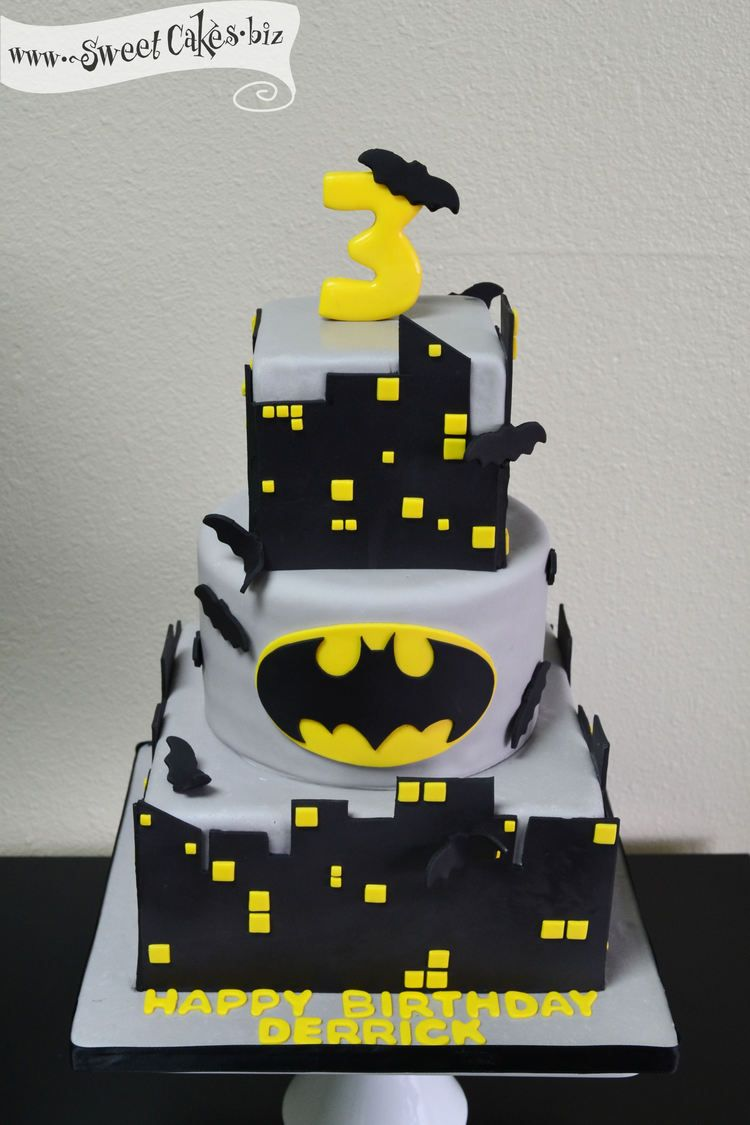 Batman Birthday Cake I Need A 22 For The Top Eddie On The