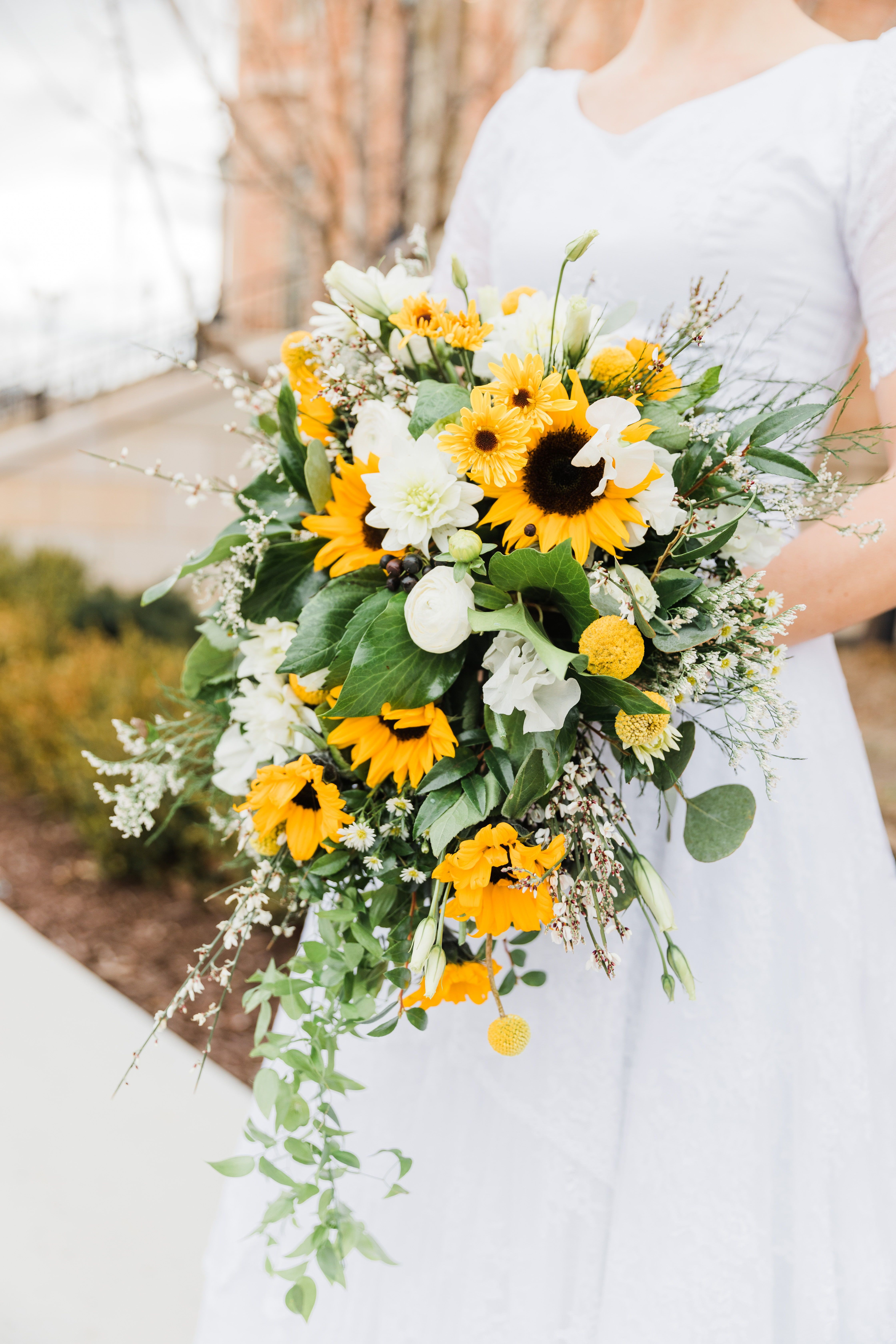 Wadley Farms Spring Wedding Full Of Sunflowers Lindon Utah Sunflower Wedding Bouquet Sunflower Bridal Bouquet Sunflower Wedding Decorations