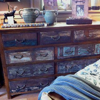 Sweet looking rustic furniture