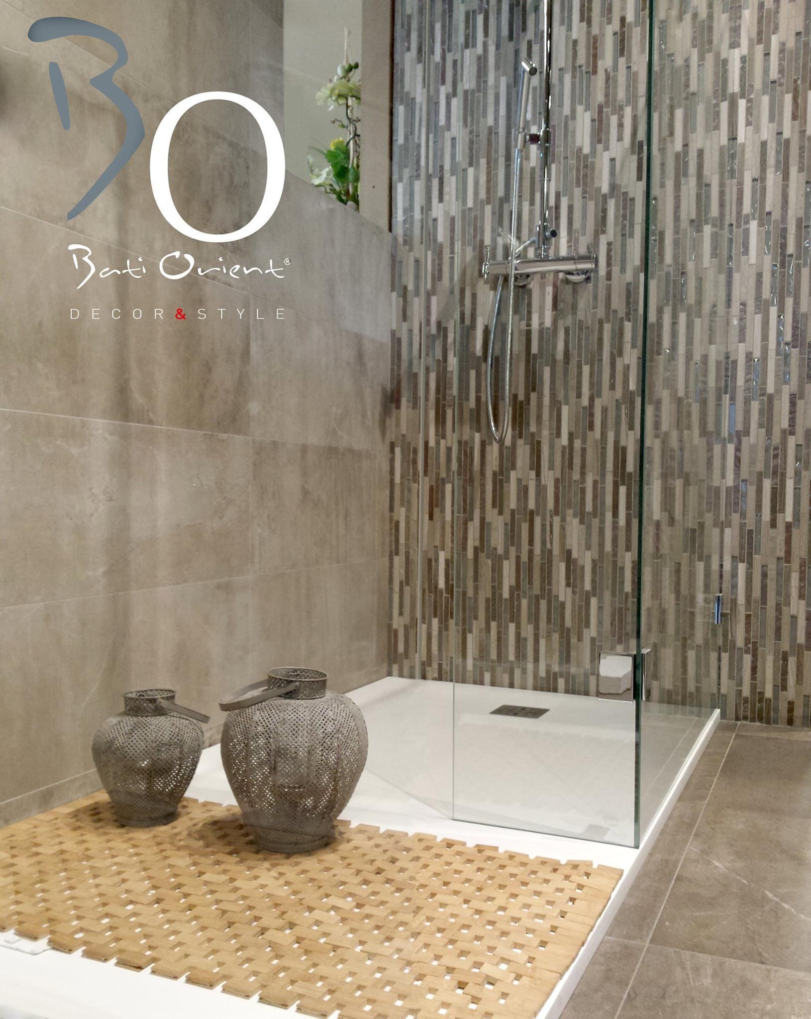 fond de mur de douche r aliser avec la mosa que bati orient compos e de barrette de marbre de. Black Bedroom Furniture Sets. Home Design Ideas