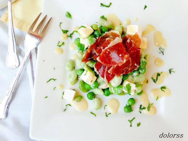 Blog de cuina de la dolorss: Ensalada de habas, guisantes con jamón de bellota y vinagreta cremosa