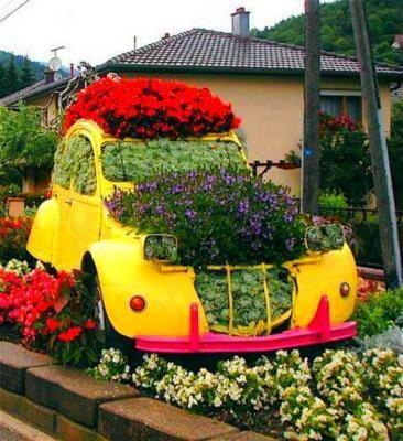 Böyle bir arabam olsun istiyorum :))