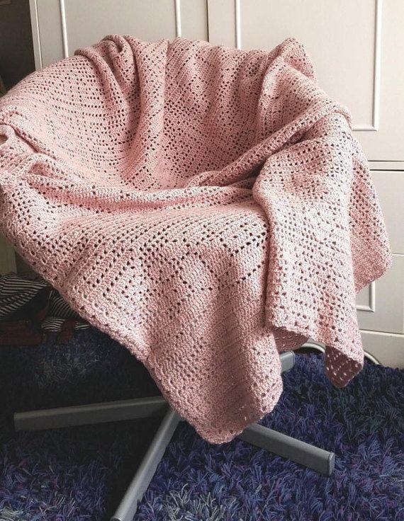 Crochet blanket patternThe Wild Roses dustyrose crochet   mantas ...