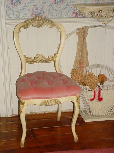I adore this Vintage chair - Vintage French Pink Velvet Tufted Boudoir Vanity Chair Carved Roses