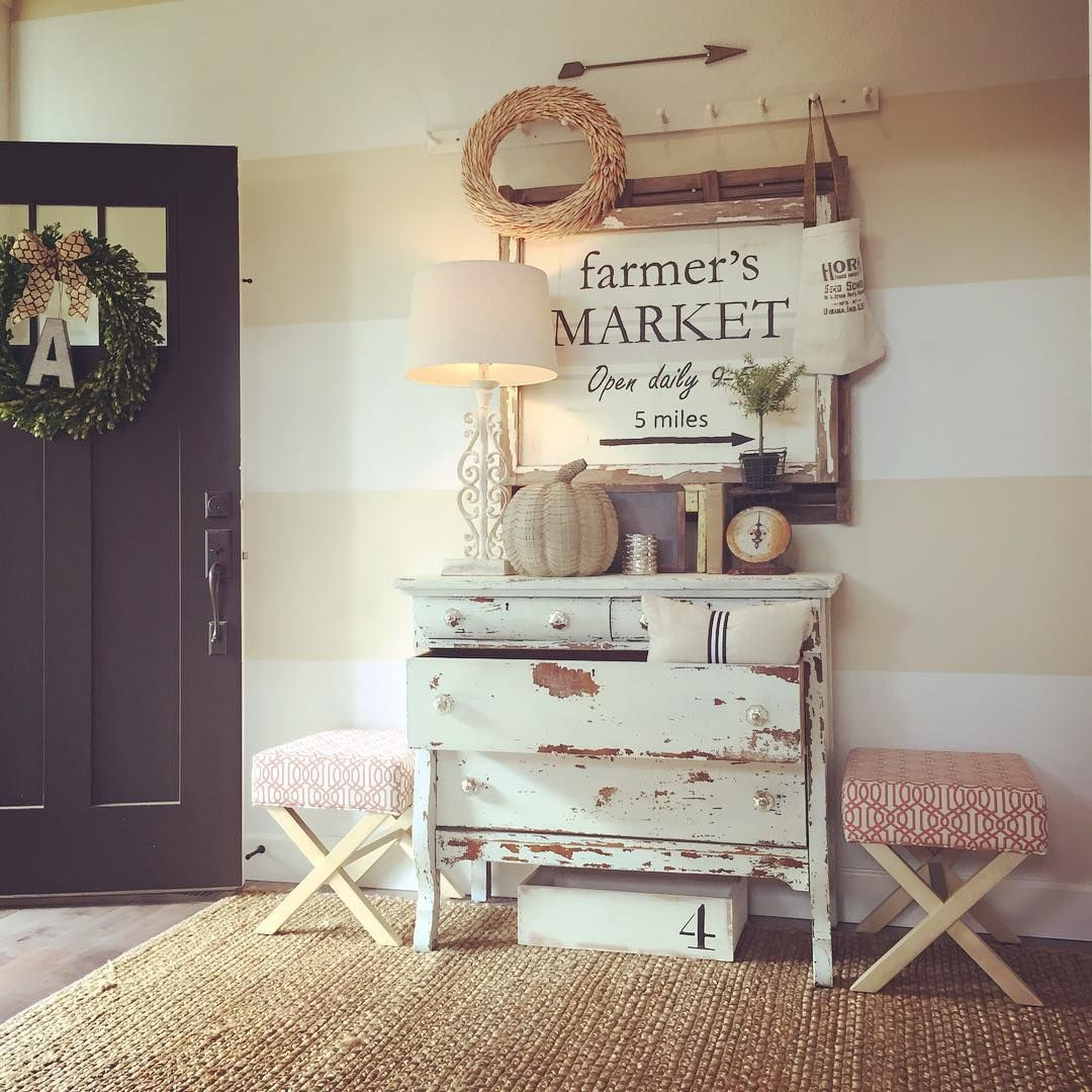 Love the box under the chippy dresser.  Also really like the farmers market sign