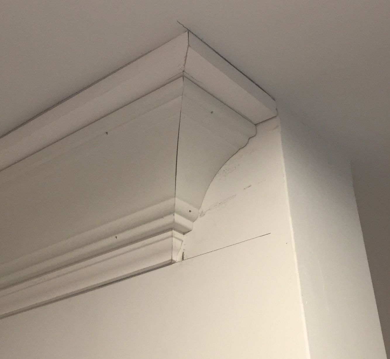 Craftsman 3 Piece Crown Molding Termination Detail At Corner Of Tub End Wall Before Caulking And Pa Interior Paint Colors Interior Paint Interior Color Schemes
