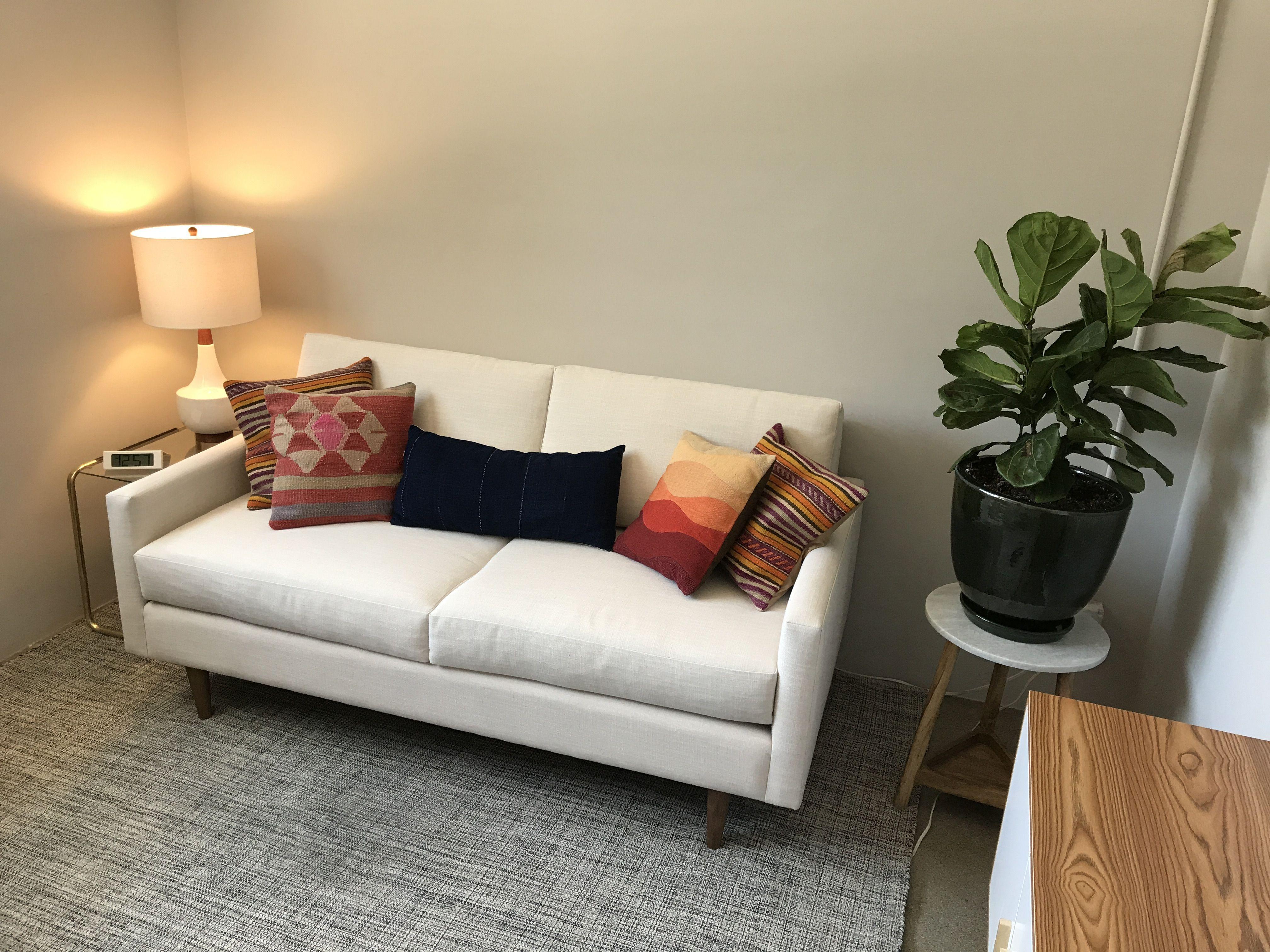 Best Scott Apartment Size Sofa Leg Finish Pecan Size 640 x 480