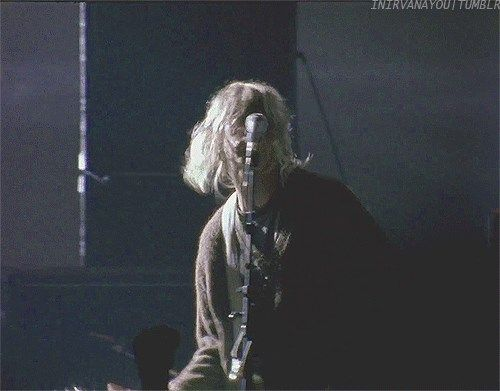 Kurt Singing Jesus Don T Want Me For A Sunbeam Foo Fighters