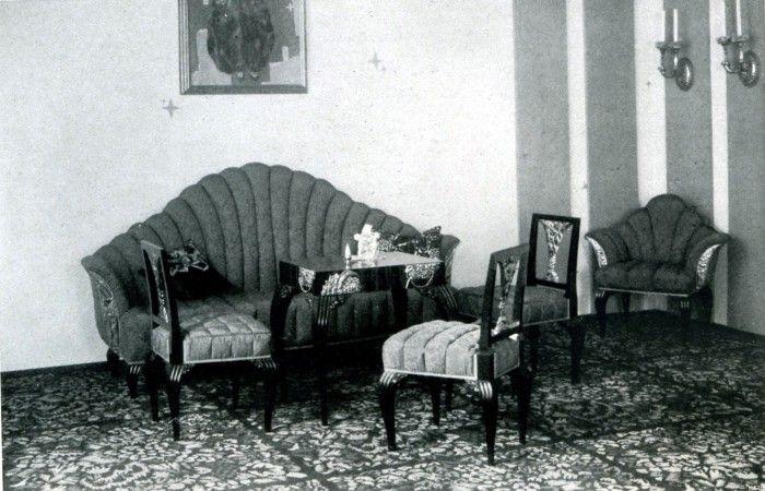 Dagobert peche damenzimmer raum auf der dt for Sofa im raum