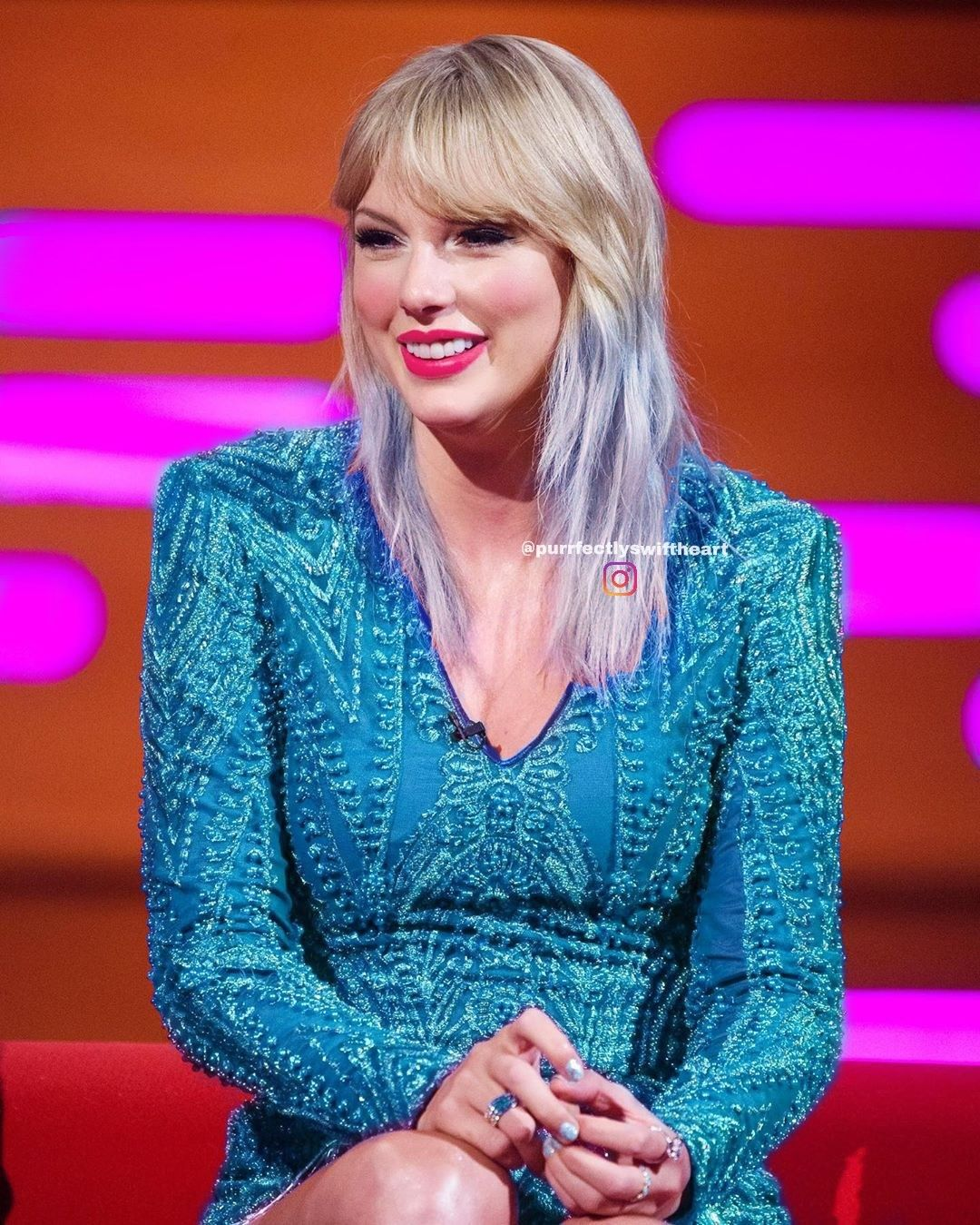 Blue hair, blue dress Taylor swift style, Taylor swift