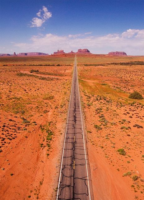 Heading South West on highway 163 in Utah towards Monument Valley, USA (by Evan Reinheimer). by susan62