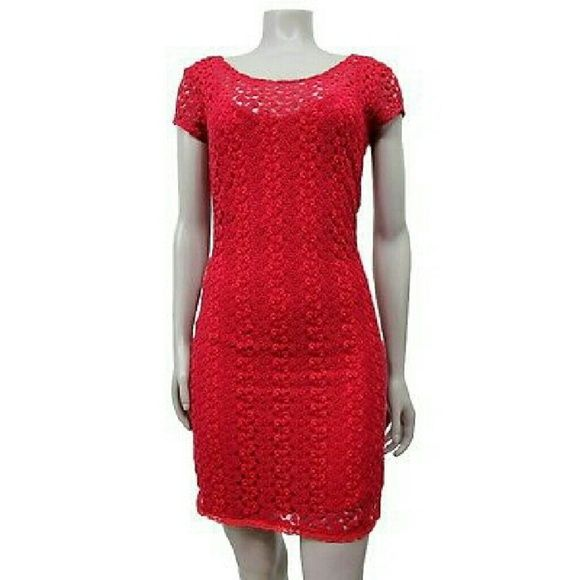 Free People raspberry eyelet knit Sz S Pre-owned; no flaws found  Material 65% polyester 35%rayon lining 100% Rayon  Color Raspberry  Specifics Eyelet Knit Short sleeves Dress deep neck back  Inventory #c5r # 1883  Across Chest 16.25 in. Across waist 13.75 in. Across hip 16 in. Length 36 in. Free People Dresses Mini