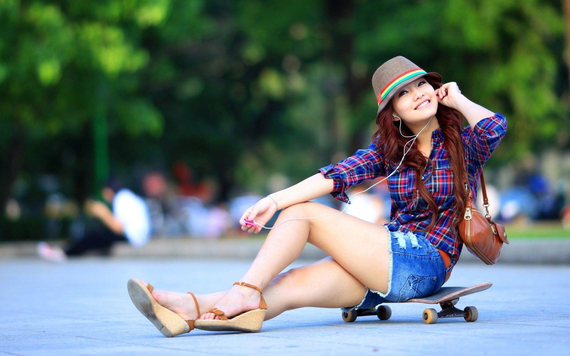 Cute Asian Girl Wallpapers Full HD Free Download