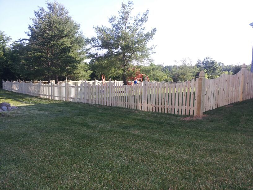 This 4 Ft High Space Wood Picket Fence With Dip With The Perfect Addition To Any Spacious Backyard Repin If You Agree B Fencing Companies Fence Fence Gate