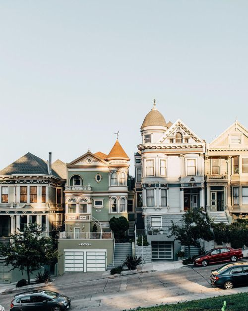 Architecture at Alamo Square, San Francisco | Photo by Eliska...