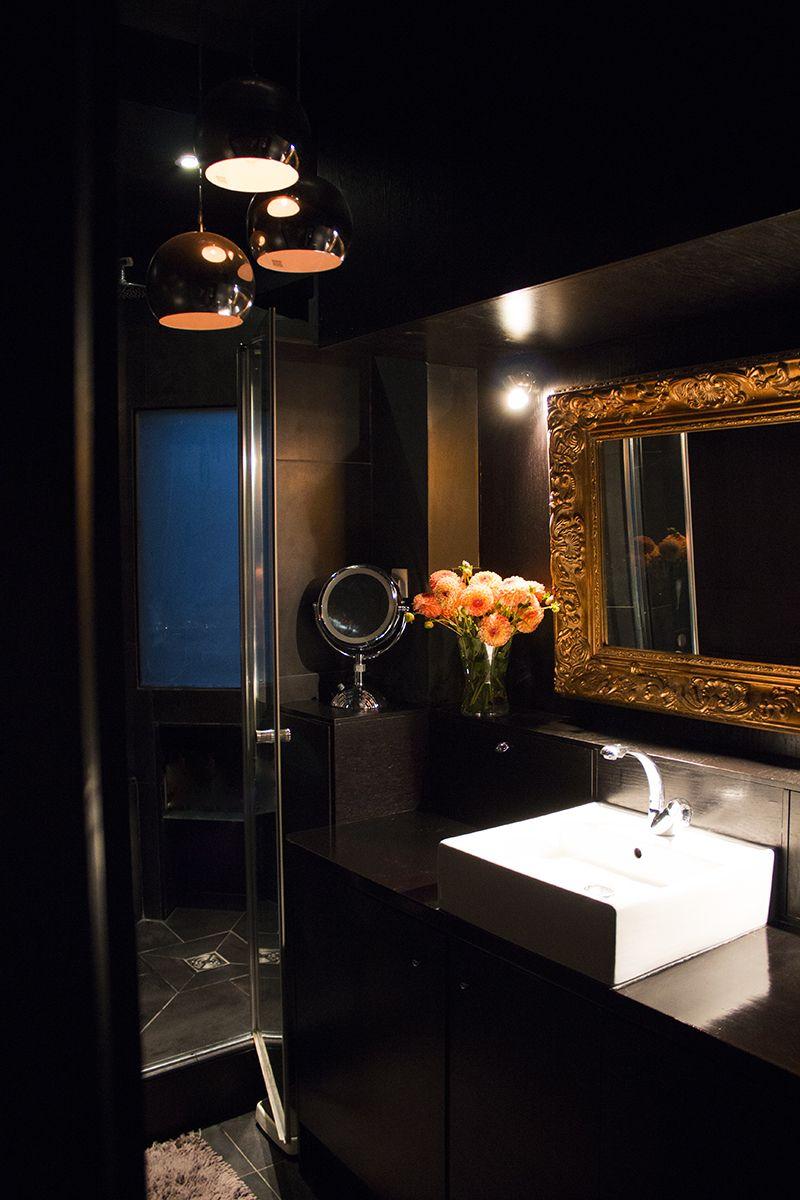 salle de bain chic con ue comme une salle de bain d h tel en noir or l 39 agence salle de. Black Bedroom Furniture Sets. Home Design Ideas