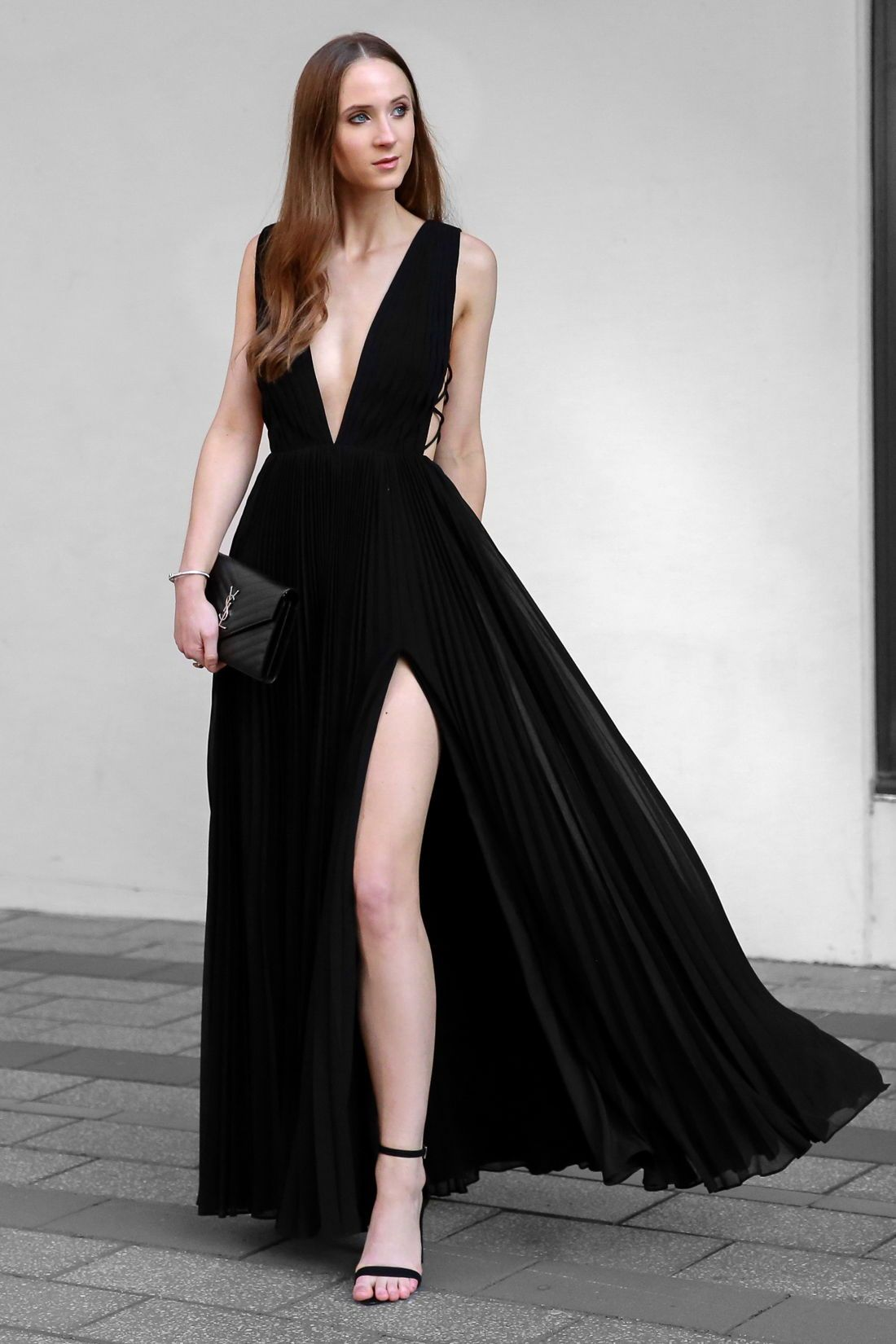Stunning Evening Dresses To Steal The Spotlight From Luxe With Love Evening Dresses Fashion Award Show Dresses [ 1650 x 1100 Pixel ]