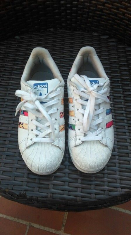 2f97b9175aa Adidas superstar blanches édition spéciale