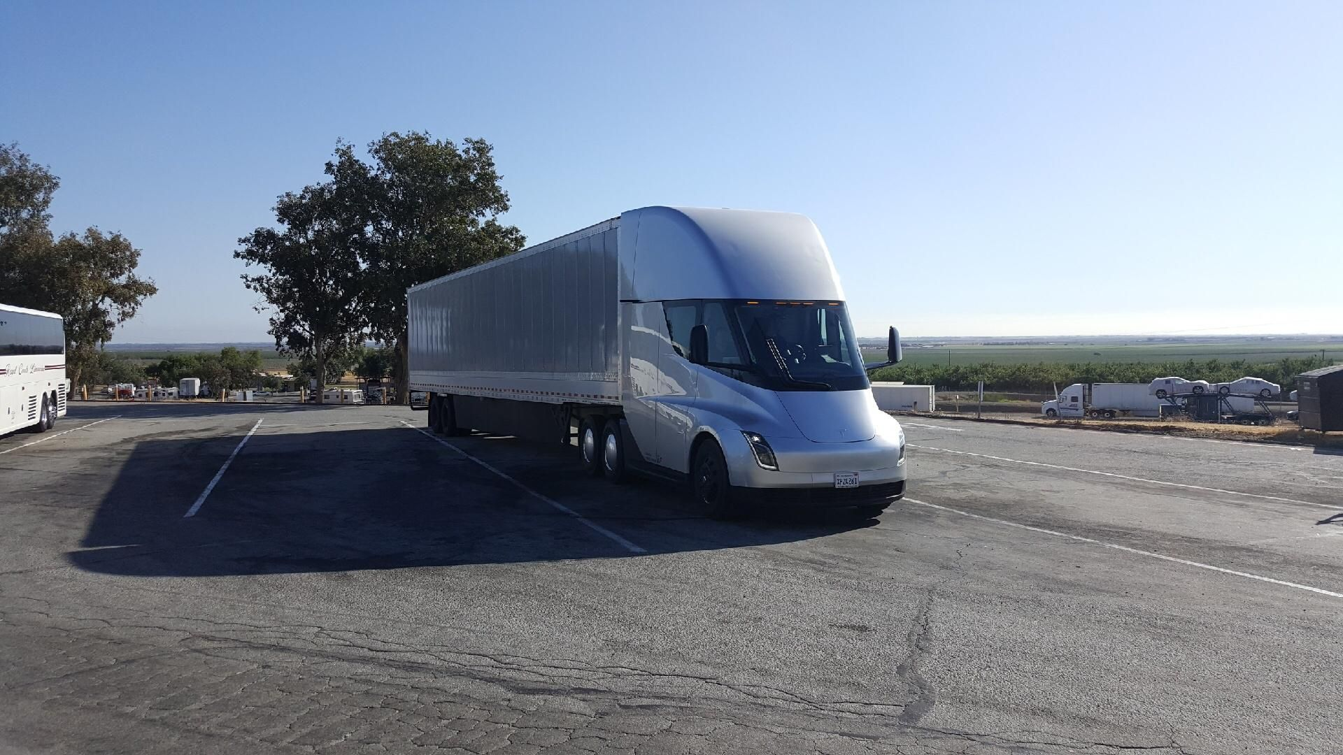 Tesla Semi Spotted Supercharging Thousands Of Miles From Factory As Real World Tests Continue Tesla Semi Trucks Tesla S