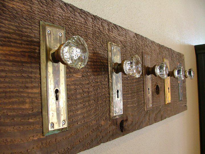 Great DIY DOOR KNOB HOOK RACK :: Have To Do This ... With My Vintage Drawer Pulls  As Well. | #doorknob #doorplate #crystalknob