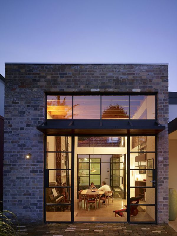 Contemporary house with industrial features in Australia ...