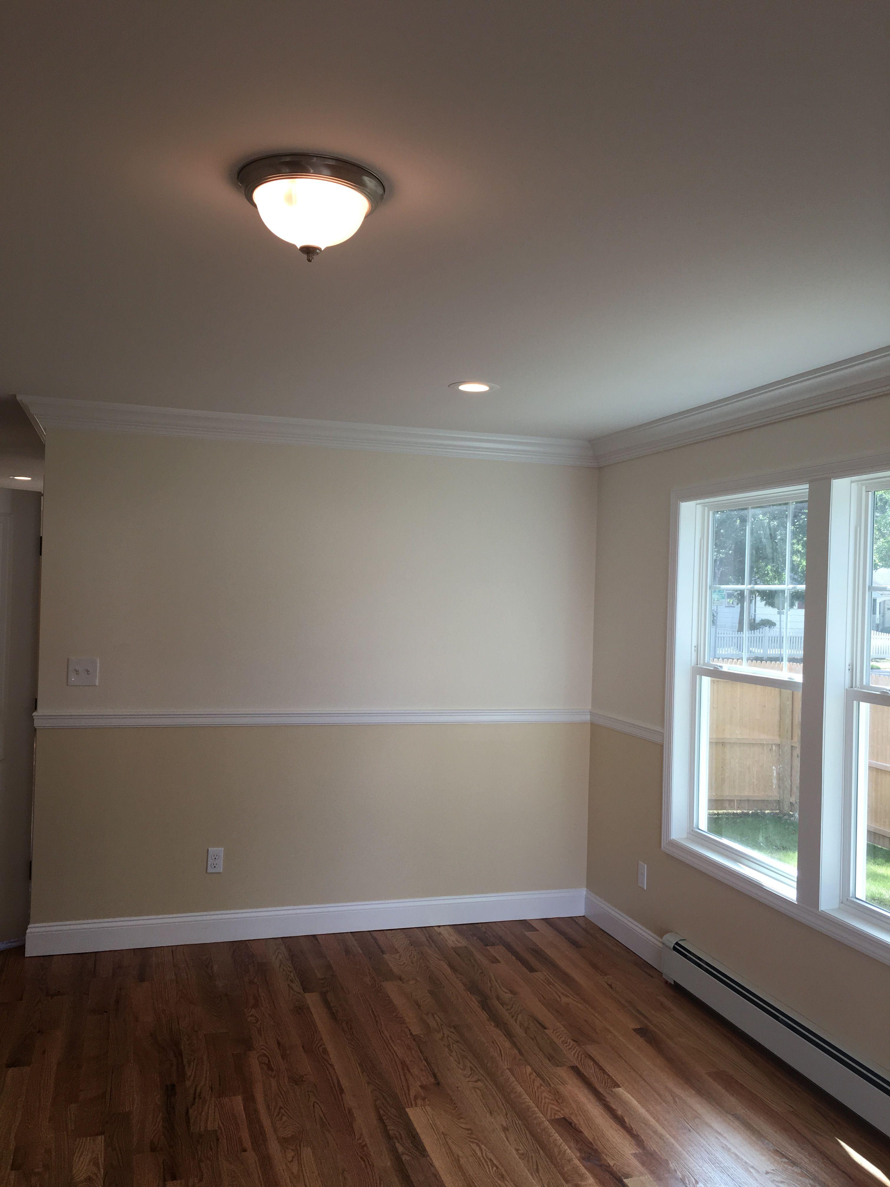 Walls top regal select eggshell linen white 912 bottom - Eggshell paint on walls ...