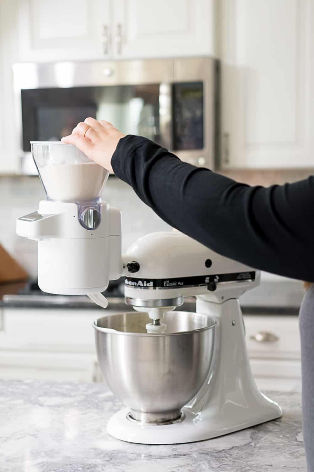 Kitchenaid sifter scale attachement lifetstyle photo in