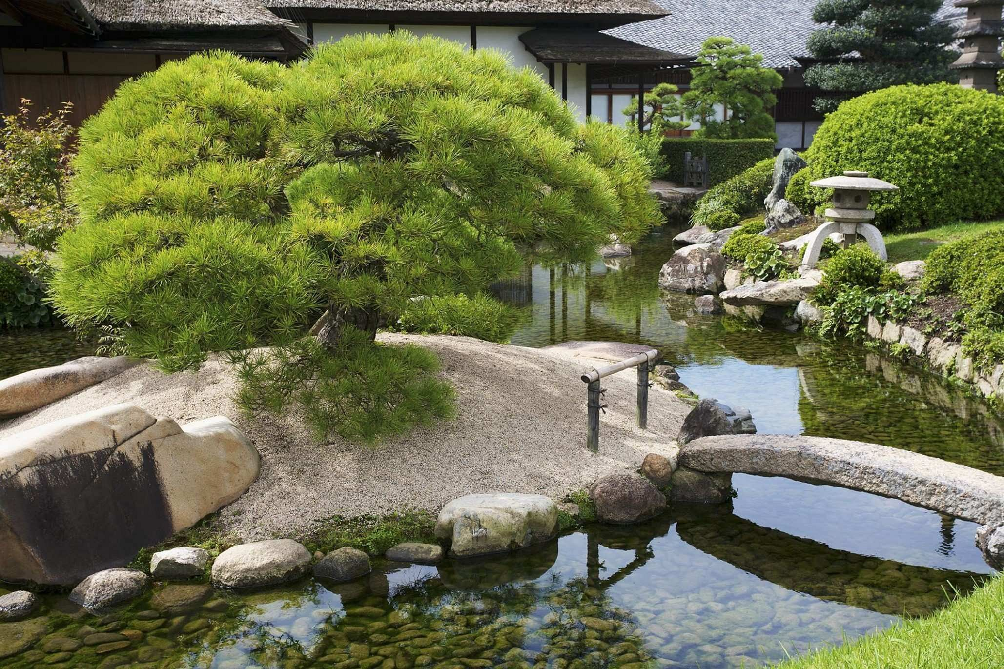 20 japanese style garden decoration for everyone who want on best rock garden front yard landscaping trends design ideas preparing for create id=48661