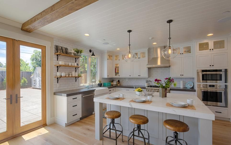 Let These Modern Farmhouse Kitchen Ideas Inspire Your Next Remodel (Fres Home) is part of You Are home Aesthetic - No matter what style it comes in, the kitchen is the heart of the home  But for those of us who are obsessed with making others feel welcome, there's no better choice than a farmhouse aesthetic  If yo