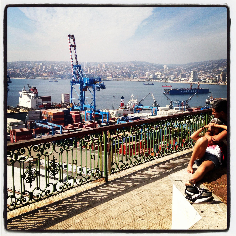 Momento romántico en Valparaíso