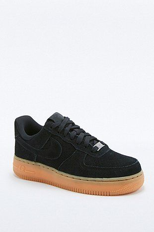 Nike - Baskets Air Force 1 en daim noires | Chaussure ...