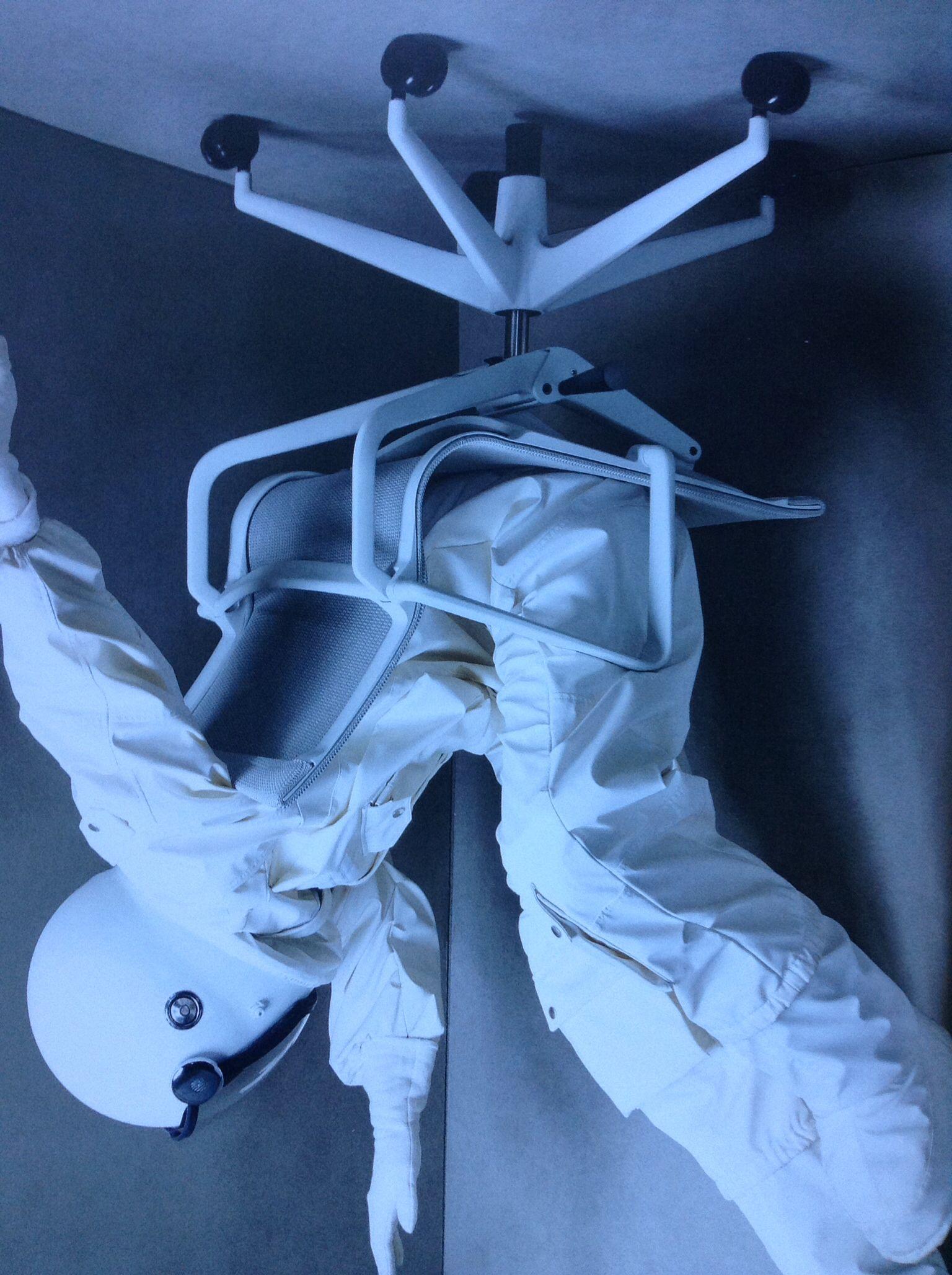 PHYSIX - Vitra - Alberto Meda   Fotografie Marcus Gaab  Styling Anne-Kathrin Obermeyer