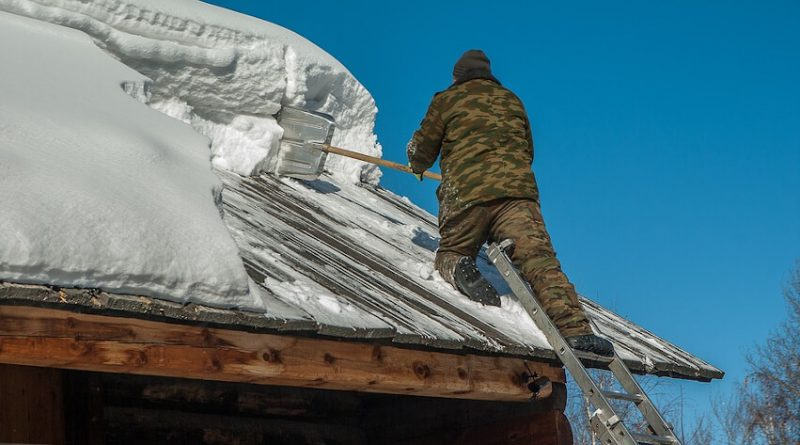 6 Reasons Why Roof Raking is Necessary this Winter in 2020 ...