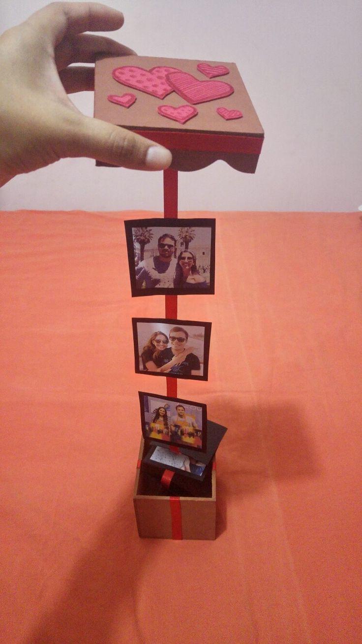 Cajita de corazones con fotos de amor. Valentines day.