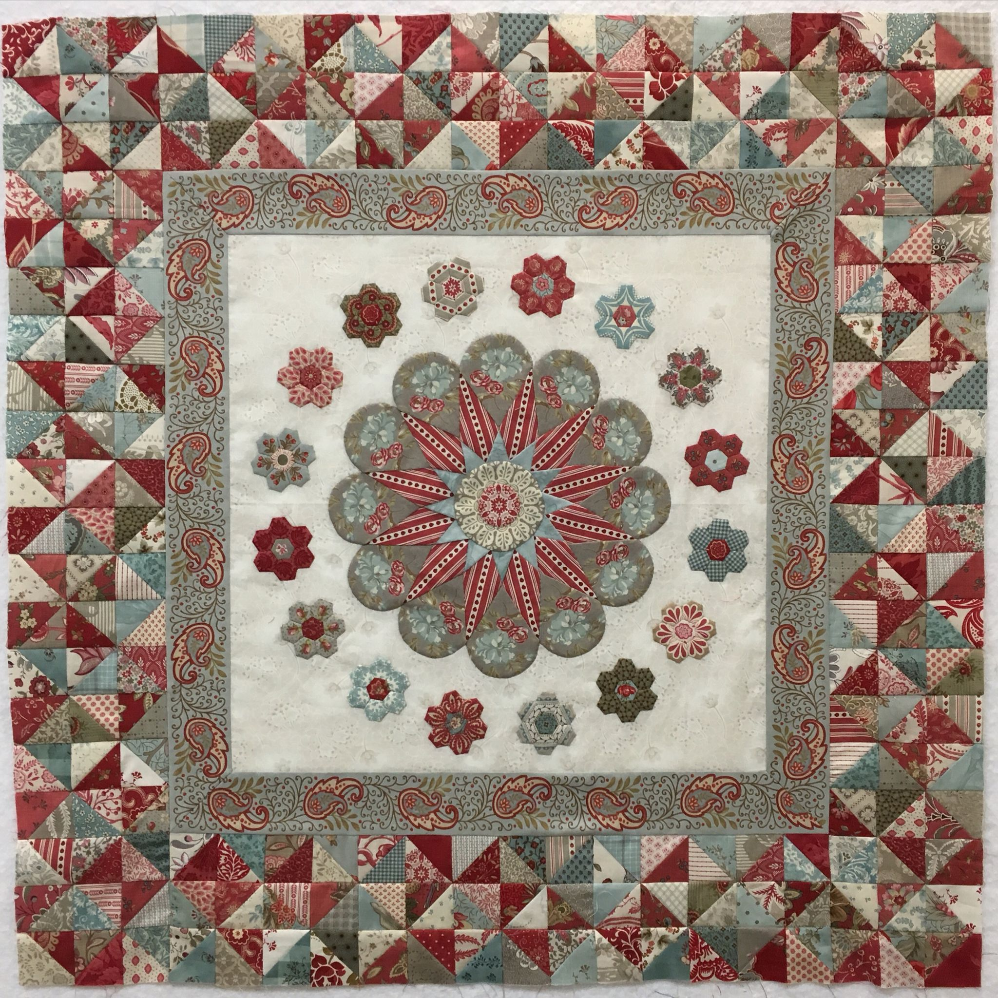 Mini Mosaic Quilts: 30+ Block Designs
