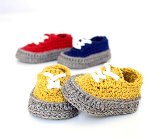 13bbf7f40ea Ravelry  Classic baby sneakers pattern by Showroom crochet