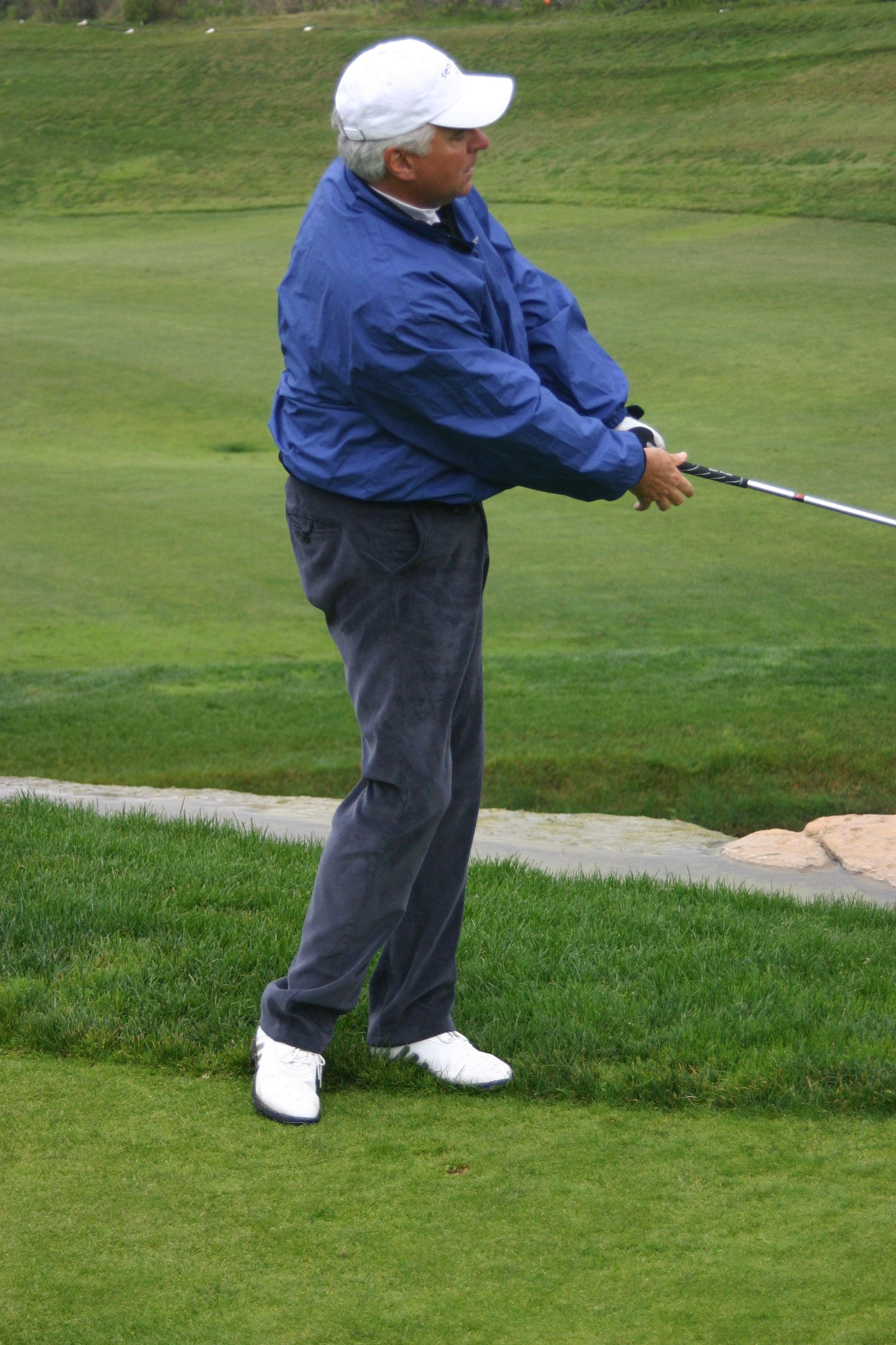 John O Hurley Hitting A Pitch Shot At The Tri Mark Golf Celebrity Challenge At Trump National Los Angeles John O Hurley Challenges Celebrities