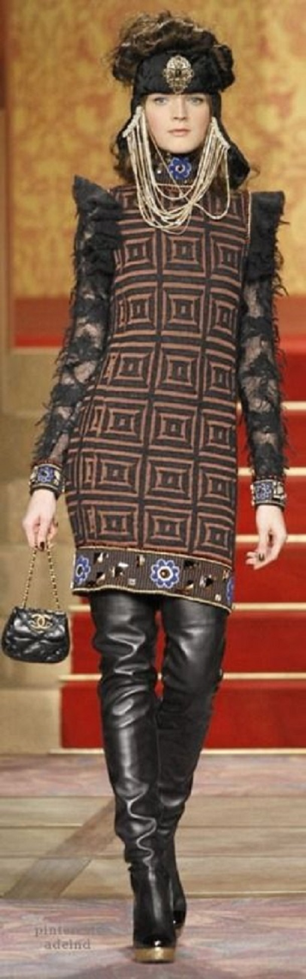 Chanel - pre Fall 2009 Moscow