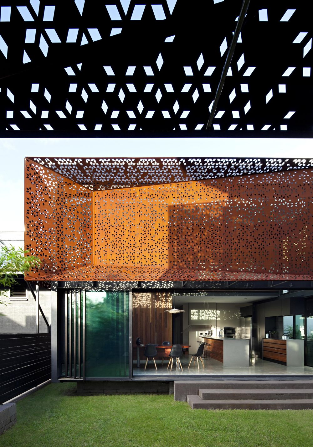 Screens | _tskba | Pinterest | Baumhaus, Gebäude Und Bildschirme Glas Fassade Spiegelfassade Baumhaus