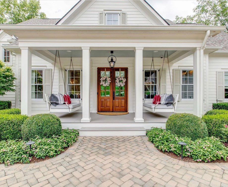 Heather Lane On Instagram Y All I Love Front Porches I Have Had Two Houses With A Big Front Porch And Spe House Front Porch Porch House Plans Porch Remodel
