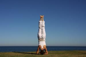 a different way to use your head headstand yoga pose