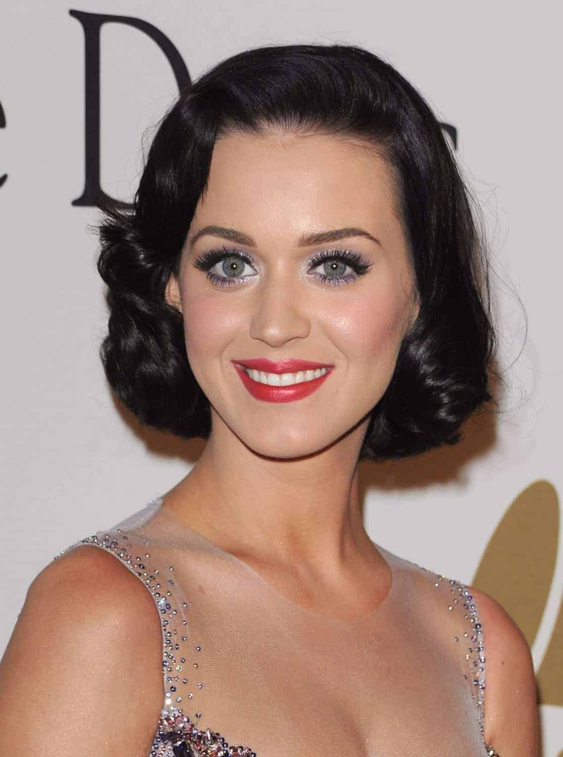 Vintage Hairstyles Short Retro How To Curl Short Hair For Vintage