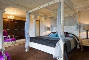 Cheap hotels in Bristol give proper and convenient solution to book hotel's rooms and suits. Visitors to visit to our site and get detailed information related to best hotels of the #bristol.    http://cheaphotelsbristol.net/