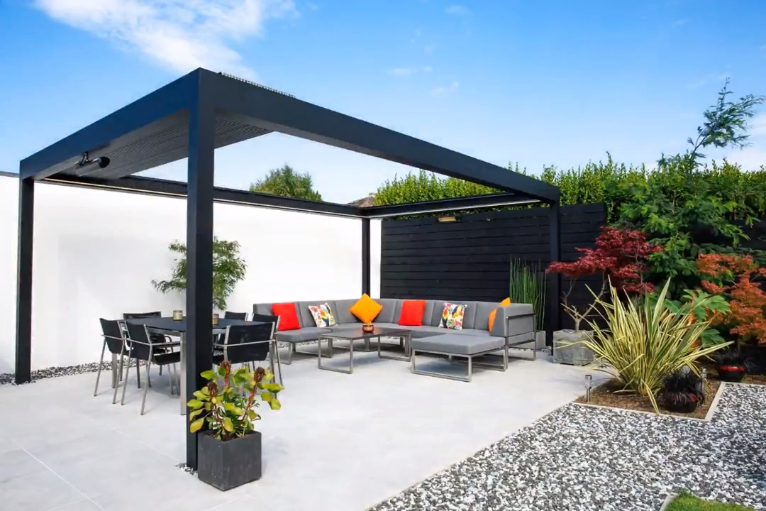When the roof is fully open, the louvers only cover 13% of the total surface. Maximum sunlight and a super compact louver package #slattedroof #pergola #sunlight