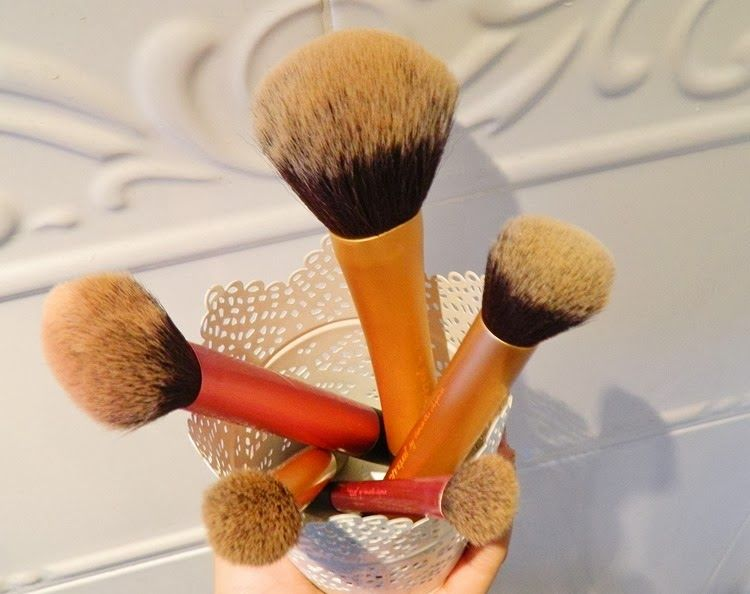 real techniques powder brush multitask brush setting brush contour brush favourite brushes