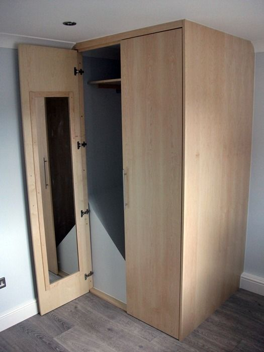 Wardrobe built over stairwell bulkhead boxroom for Box room bedroom ideas