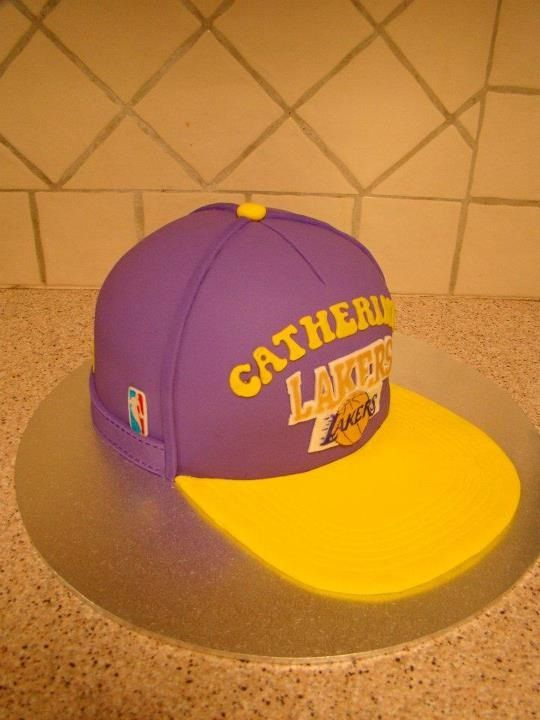 Lakers hat cake