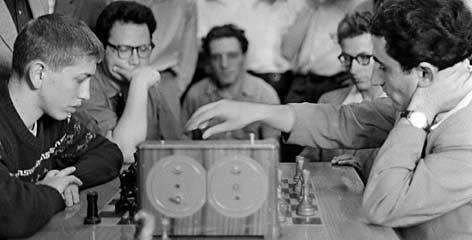 Фото 1958 года: за доской – Бобби Фишер и Тигран Петросян ...