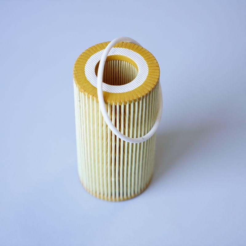 Oil Filter For Volvo C30 C70 2 4i T5 D5 S40 2 4 2 4 D5 T5 T5