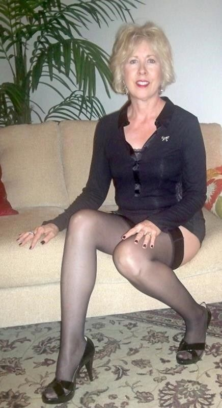 Post Your Nude Wives And Girlfriends  Sexy Mature Feet -1430